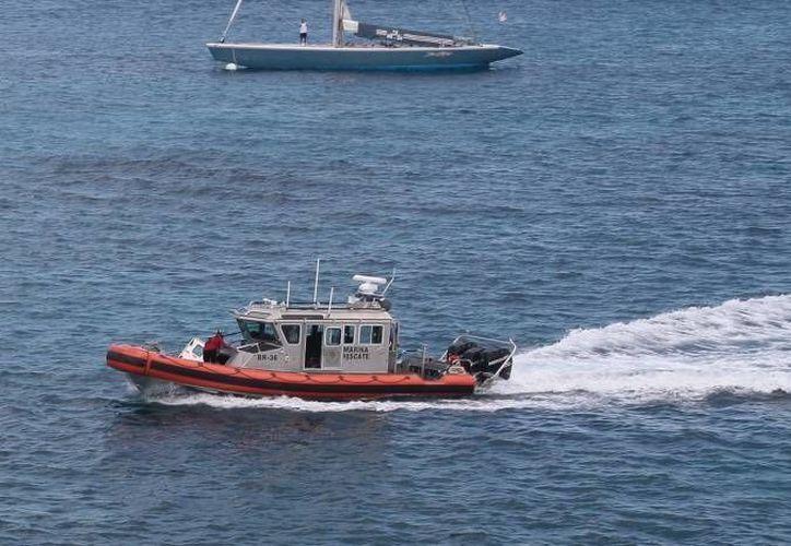 En la búsqueda del turista participaron elementos de Protección Civil, Capitanía de Puerto, Seguridad Pública y del Sector Naval.  (Redacción/SIPSE)