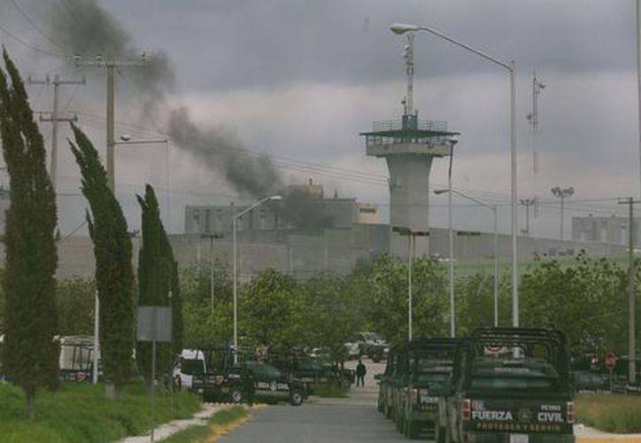 A tres semanas de la riña en el penal de Cadereyta, Ciudadanos en Apoyo a los Derechos Humanos AC aseguró que el número de muertos asciende a más de 50. (Contexto/Internet).