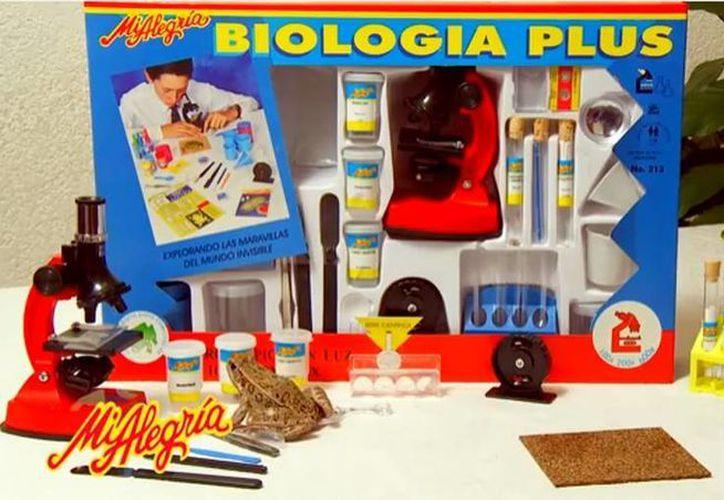 Biología Plus forma parte de la colección de juguetes científicos Mi Alegría, empresa mexicana fundada en 1956 y que se dedica a la producción de juegos didácticos. (Captura de pantalla de YouTube)