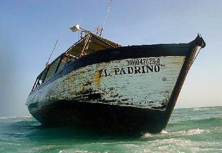 Las embarcaciones encalladas causan un gran daño al ecosistema marino. (Milenio Novedades)