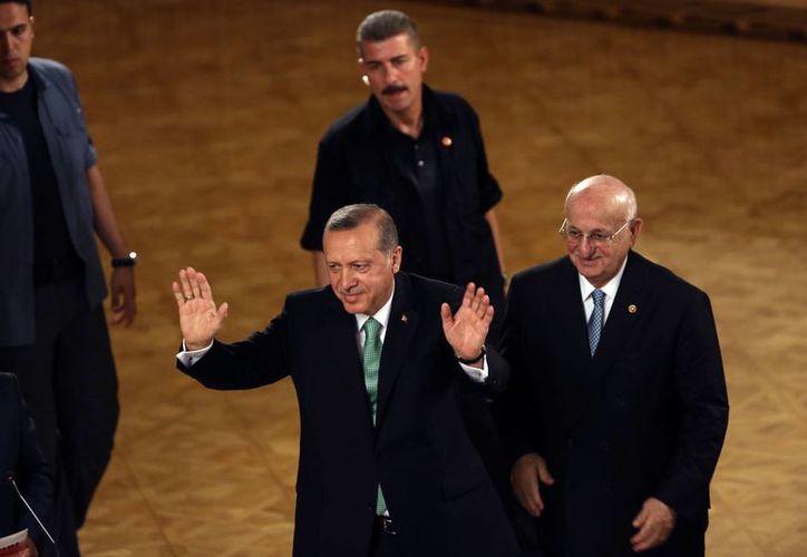 El gobierno de Erdogan continúa con la limpieza de las instituciones tras el fallido golpe de Estado. (AP)