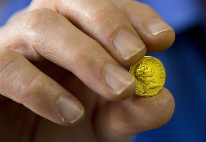 La moneda, del año 107 después de Cristo, podría haber formado parte del salario de un soldado romano. (Agencias)