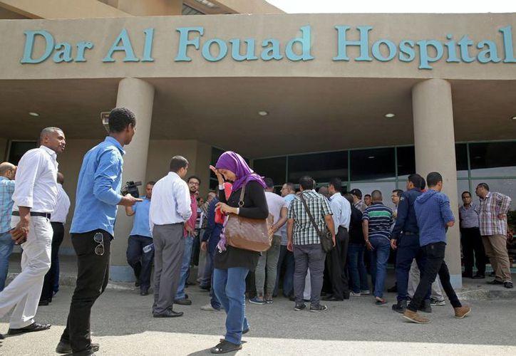 Del grupo de 14 turistas mexicanos atacados en Egipto, seis están hospitalizados, dos murieron y otros seis están desaparecidos, reportó la embajada mexicana en ese país árabe. (AP)