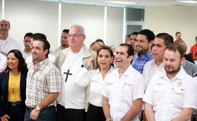 En la reunión se invitó a sumarse a La Primera Caminata por La Paz. (Sergio Orozco/SIPSE)