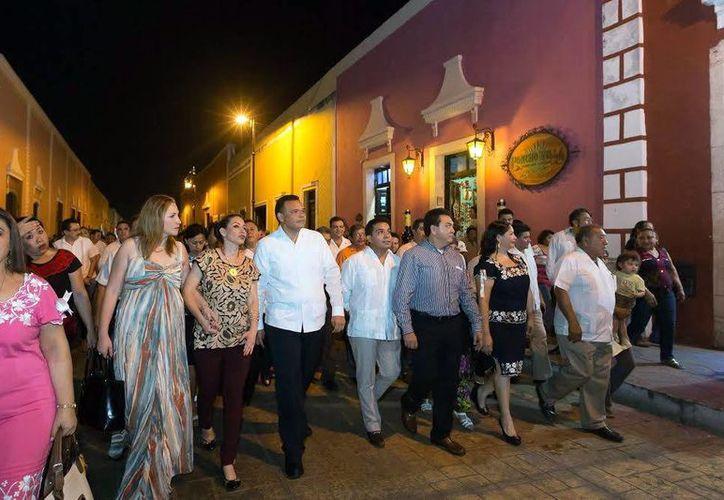 El Gobernador y su comitiva recorrieron las calles del Centro Histórico vallisoletano. (Milenio Novedades)