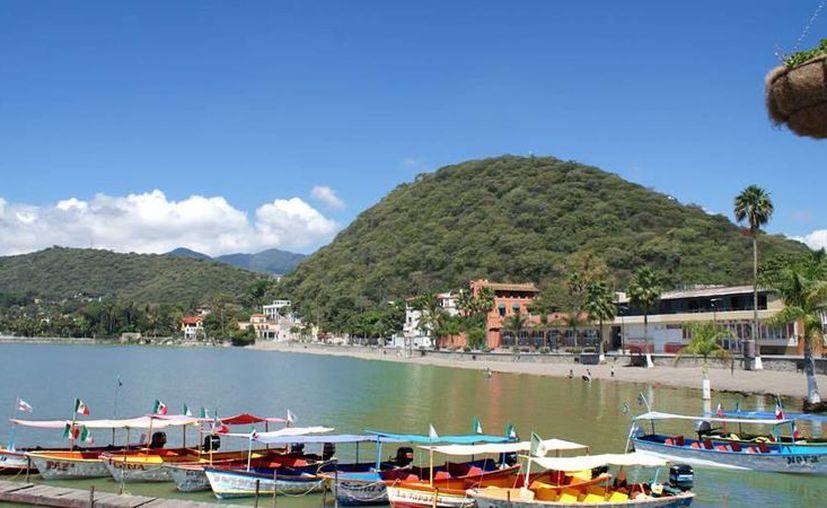 El lago de Chapala es un sitio frecuentado por personas retiradas de los Estados Unidos y Canadá. (lakechapala.com.mx)