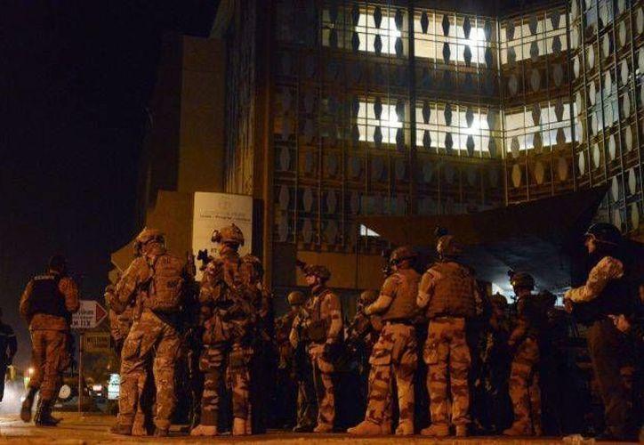 Un ataque terrorista a un hotel de Burkina Faso habría dejado 20 muertes este viernes. Un mexicano habría logrado salvarse de la tragedia. (www.ibtimes.co.uk)