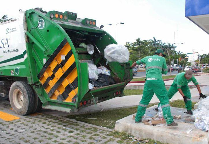 En la Isla de Cozumel se generan de 98 a 102 toneladas diarias de basura. (Gustavo Villegas/SIPSE)