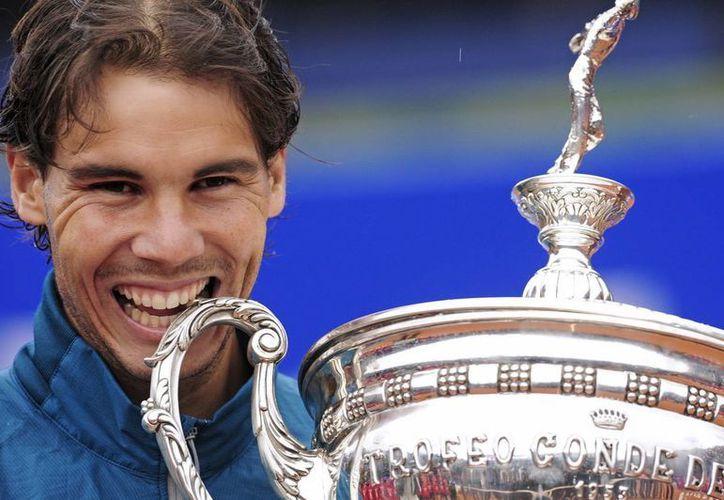 Rafael Nadal conquistó el trofeo Conde de Godó, por octava ocasión en su carrera. (Agencias)
