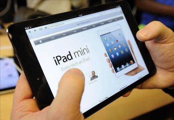 Se especula que la compañía electrónica mostrará una nueva versión de sus populares modelos comunicativos. (EFE)