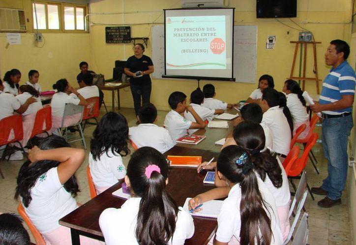Abordarán en las escuelas diversos temas para prevenir que los alumnos sean víctimas de delitos. (Manuel Salazar/SIPSE)