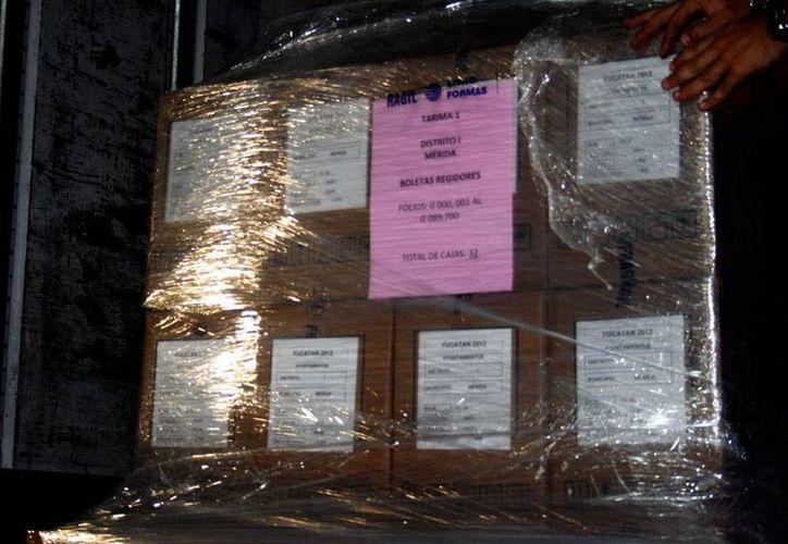 Los paquetes de papelería y mobiliario para la elección del 7 de junio llegarán a Yucatán esta semana. (Milenio Novedades)