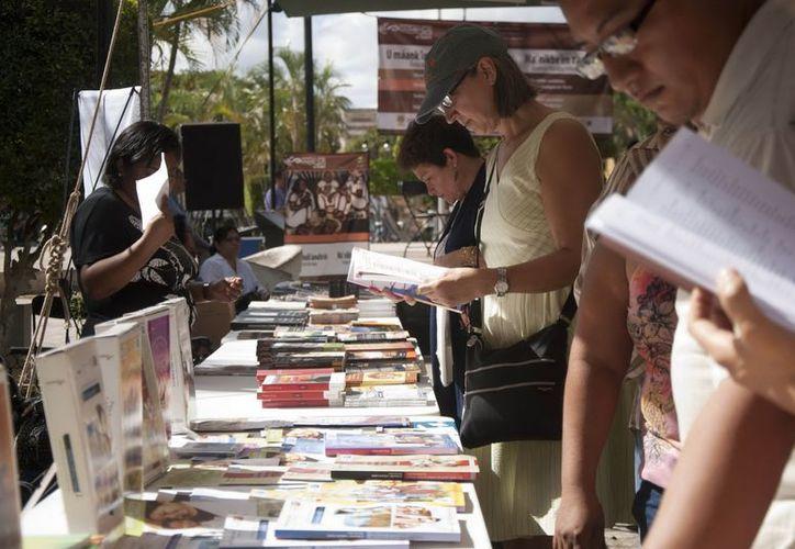 El promedio de libros que leen los mexicanos cada año es de 2.9. (Archivo/Notimex)
