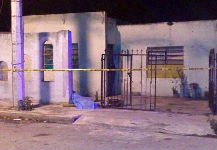 Un hombre que presuntamente mató a otro en la colonia Nueva Pacabtún, a las puertas de su casa (foto), porque se negó a invitarle una bebida alcohólica, ya fue detenido. (SIPSE)