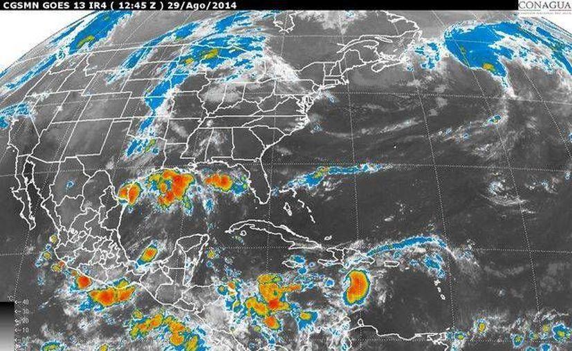 La onda tropical Número 24, se desplazará sobre la Península de Yucatán. (Redacción/SIPSE)