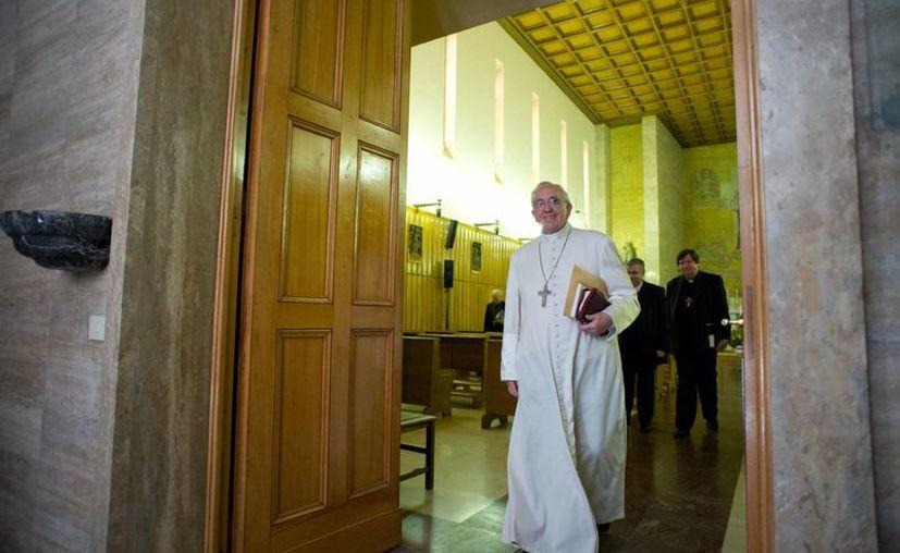 Lo que más preocupa a Francisco son los desvalidos, indica el padre Alfonso González Quevedo. (Agencias)
