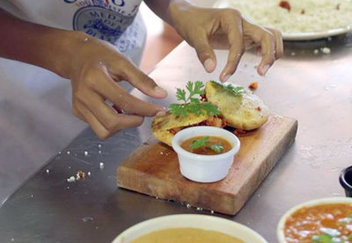 Interés por la comida regional. (Foto: Milenio Novedades)