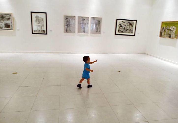 """La galería del Teatro """"Peón Contreras"""", una de las sedes donde se exhiben las obras. (Milenio Novedades)"""
