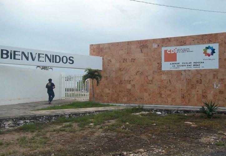 La escuela donde ocurrió la posesión a los tres alumnos. (Jorge Moreno/SIPSE)