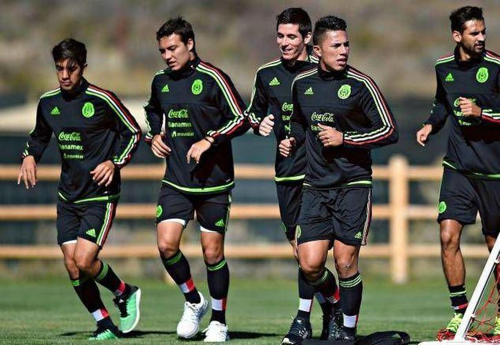 En lugar de los tres lesionados de la selección sub-23 mexicana fueron llamados Armando Zamorano, Luis Solorio y Kevin Escamilla.En la foto, algunos elementos de la selección durante sesión de entrenamiento.(Foto tomada de @miselecciónmx)