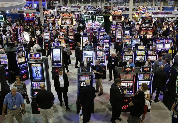 La derrama económica de la industria del entretenimiento en EU toma en cuenta los gastos de transporte y alimentos de los turistas. (AP)