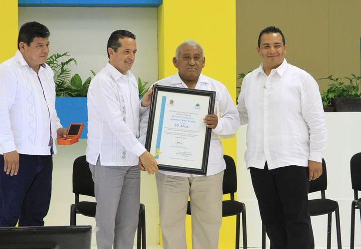 Artemio Pérez Santos, inició sus labores en 1967, cuando Q. Roo aún era Territorio Federal. (Joel zamora/SIPSE)