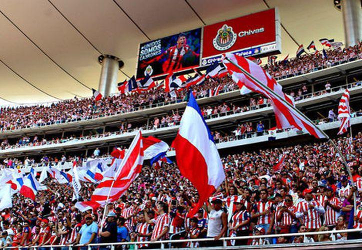 Tanto Chivas como Tigres vienen de un fracaso en sus encuentros anteriores y esperan superarse uno al otro. (Foto: Milenio)