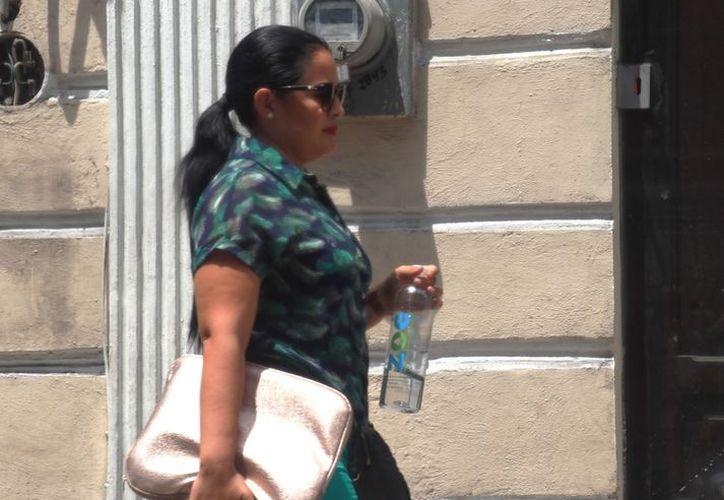 Se recomienda a la población tomar las previsiones correspondientes, como mantenerse siempre hidratado. (Novedades Yucatán)
