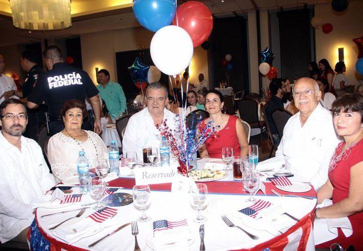 Representantes de instituciones, empresarios y autoridades reconocieron la labor de la cónsul Sonya Tsiros. Imagen de archivo. (Jorge Acosta/SIPSE)