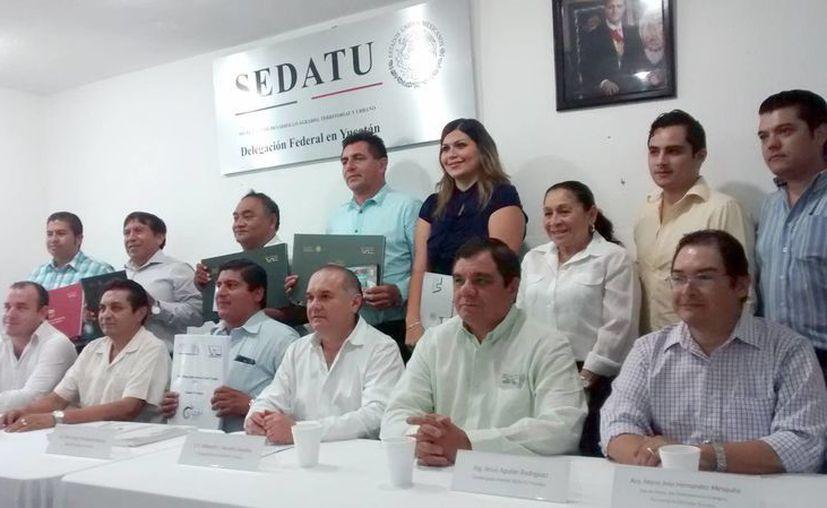 La Secretaría de Desarrollo Agrario Territorial y Urbano (Sedatu) entregó más Atlas de Riesgo. Esta vez el beneficio fue para Tekax, Hunucmá, Temax, Umán y Tizimín. (SIPSE)