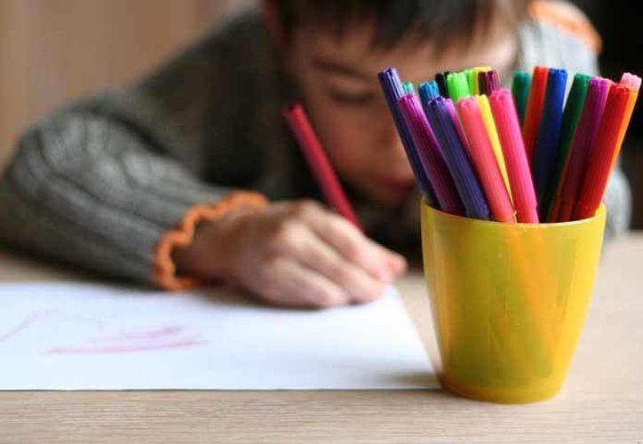 Los trabajos deberán representarse en hoja de papel opelina, tamaño carta. (Redacción/SIPSE)
