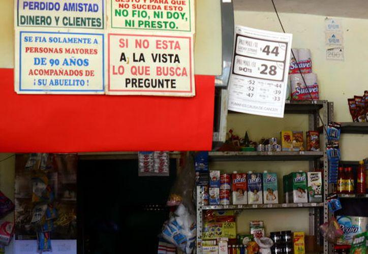 Sin ingresos para surtir su negocio. (Foto: Jorge Acosta/ Milenio Novedades)