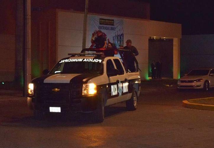 Testigos reportaron la situación al 911, por lo que elementos arribaron al lugar. (Foto: Gustavo Villegas)