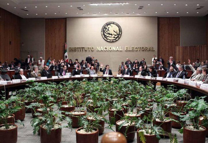 Aunque el INE ya aprobó como nuevos partidos políticos al  Partido Humanista y a Encuentro Social aún les falta cumplir ciertos requerimientos. (Notimex/Foto de contexto)