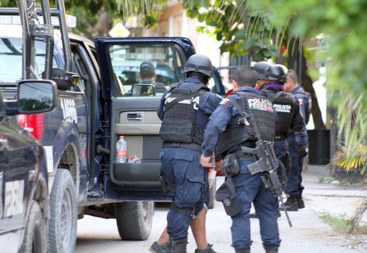 Los asaltantes huyeron a bordo de un vehículo con dirección hacía la avenida Labná, donde lograron escapar. (Redacción)
