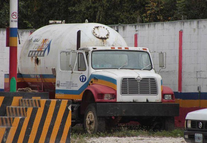 Las empresas distribuidoras de gas de Cozumel se encuentran bajo constante supervición. (Gustavo Villegas/SIPSE)