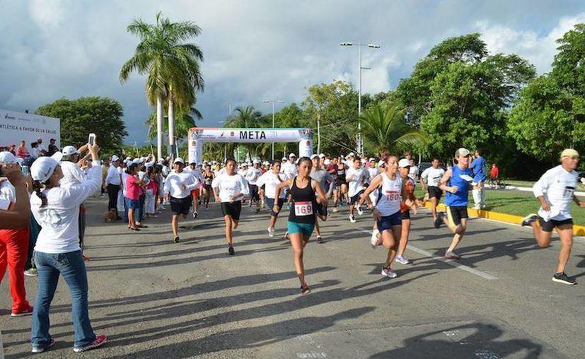 La carrera tuvo las modalidades de 5 y 10 kilómetros. (Cortesía/SIPSE)