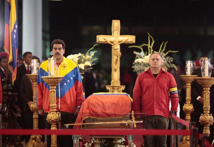Según el alto oficial, Hugo Chávez sufrió mucho con su enfermedad. (Agencias)