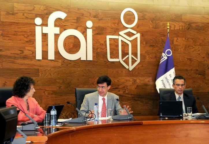 En 2010, el IFAI atendió más de  mil solicitudes de información de una sola persona. (Archivo/Notimex)