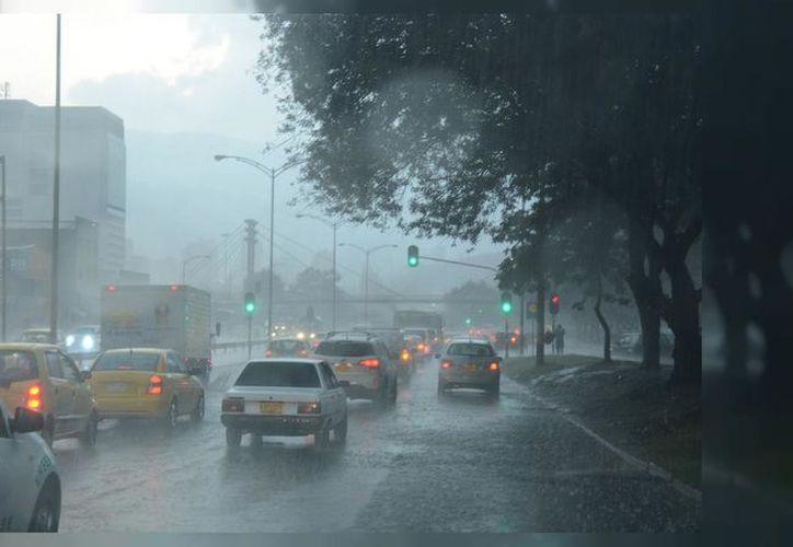 La lluvia abre la posibilidad a deslaves, desbordamientos de ríos y arroyos o afectaciones en caminos y tramos carreteros. (El Tiempo)