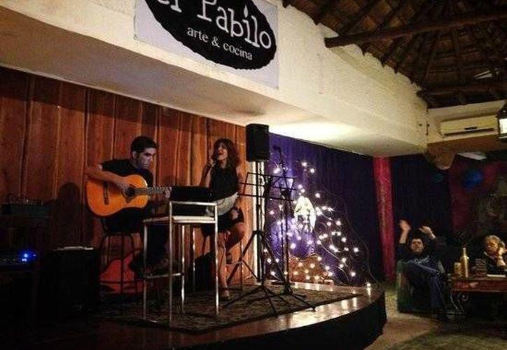 """Una agrupación musical se presentará esta noche en la cafetería """"El Pabilo""""."""