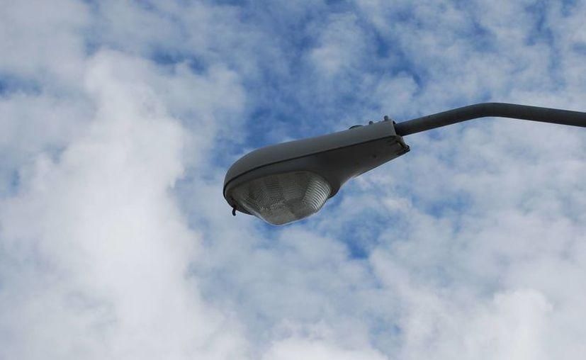 Se denunció el robo16 mil lámparas presuntamente adquiridas por la pasada administración. (Tomás Álvarez/SIPSE)