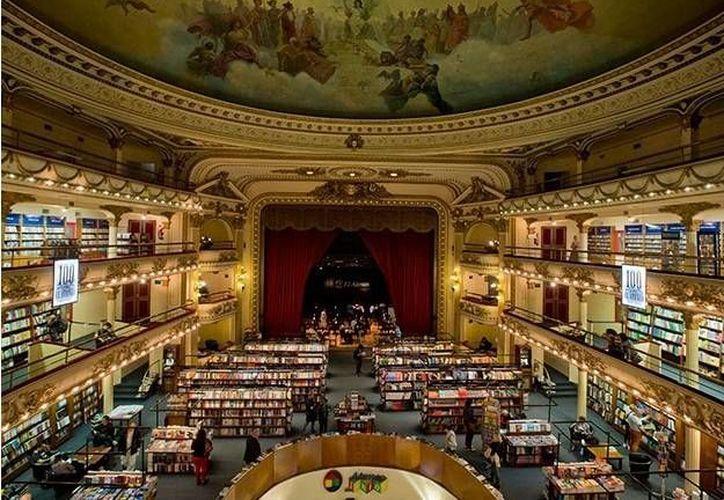 En Buenos Aires se encuentra la librería El Ateneo, una de las más visitadas en el mundo. El edificio fue construido en 1919 y anteriormente albergaba un teatro. (Archivo AP)