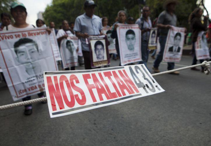 Los padres de los desaparecidos buscas justicia y respuesta por parte de las autoridades. (Foto: Proceso).