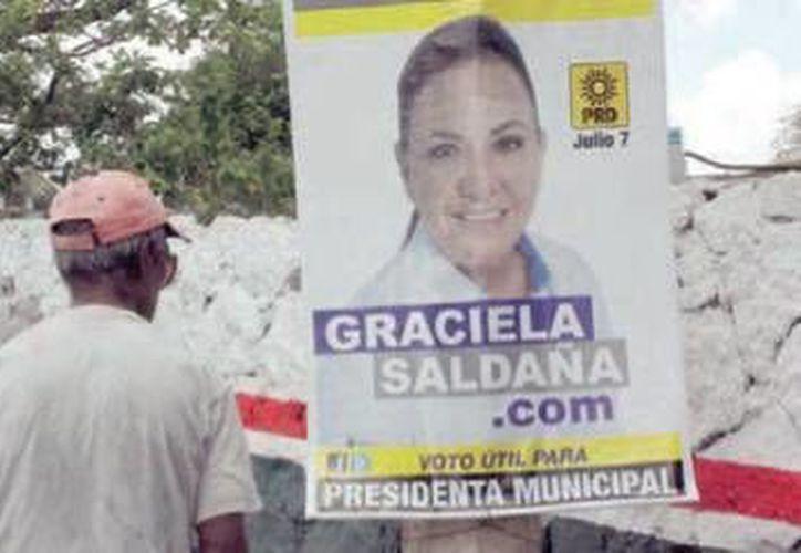 Durante el pasado proceso electoral las avenidas y calles principales  prácticamente fueron tapizadas de publicidad electoral, de la cual poco más de un 90% fue retirada. (Redacción/SIPSE)