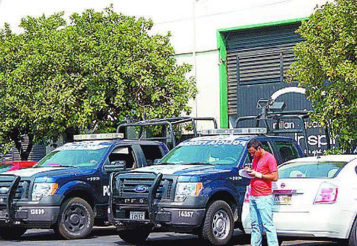 Vehículos en que viajaban los oficiales detenidos. (Milenio)