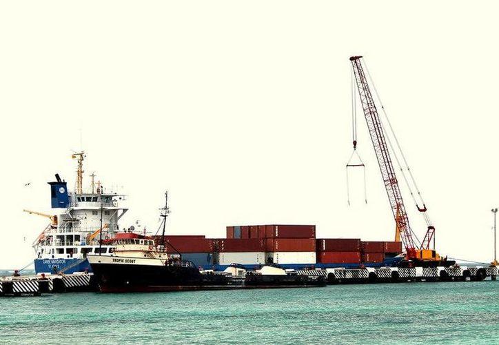 El puerto incrementó sus movimiento de 2011 a julio de 2015, tiempo en el que se realizó el movimiento de 140 mil 608 toneladas de carga. (Redacción/SIPSE)