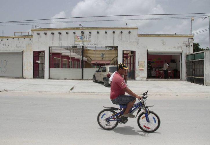 Uno de los factores que obligo al cierre de las viejas oficinas fue que se localizan alejadas del centro de Bonfil. (Tomás Álvarez/SIPSE)