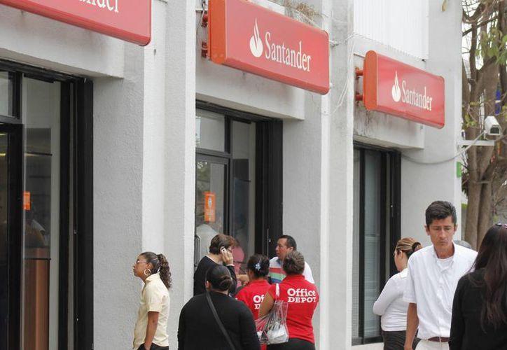 Los ciudadanos podrán hacer uso de los cajeros automáticos. (Jesús Tijerina/SIPSE)