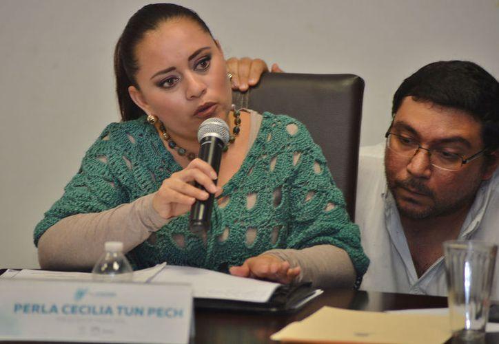 Perla Tun se molestó por los cuestionamientos sobre el asunto de las patrullas que rechazó al Gobierno del Estado. (Foto: Gustavo Villegas/SIPSE)